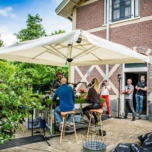 Grote Witte Parasol.Solero Horecaparasols Professionele Parasols Voor Cafe Of Restaurant